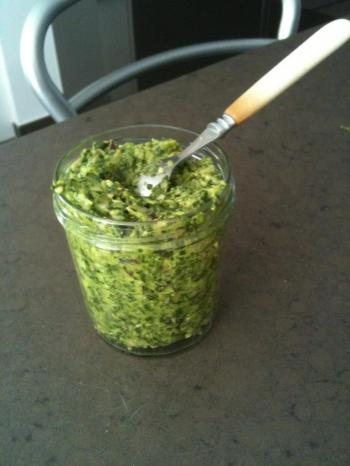 pesto-dans-son-pot.jpg